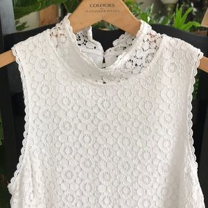 White lace mock sleeveless shirt